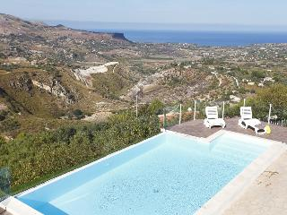 VILLA DEL POGGIO - Castellammare del Golfo vacation rentals