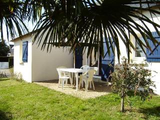 Nice House with Dishwasher and Toaster - Saint Gildas de Rhuys vacation rentals