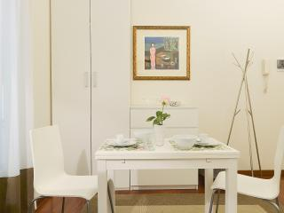 73439 - Milan vacation rentals