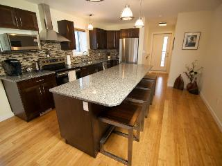 Luxury water front Old Town Duplex - Yellowknife - Yellowknife vacation rentals