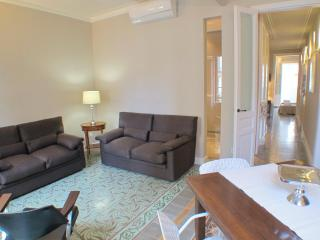 Barcelona4Seasons - Chic Apartment in Barcelona - Barcelona vacation rentals