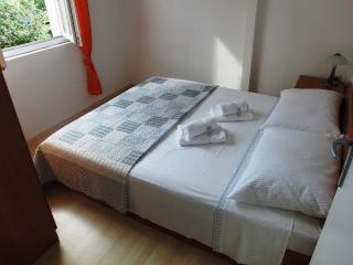 Cozy 2 bedroom Petrcane Condo with Internet Access - Petrcane vacation rentals