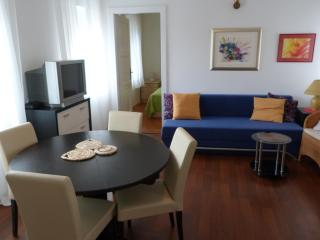 Apartment LETA - Split vacation rentals