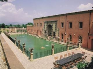 Lucca Estate - Villa Bernard Luxurious villa rental near Lucca - Capannori vacation rentals