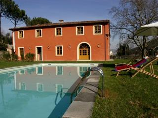 Lucca Estate - Villa Felice Luxury Villas in Vorno-Lucca - Rent luxury villas in Vorno - San Giuliano Terme vacation rentals