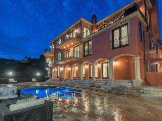 Hollywood Hills Mansion - Los Angeles vacation rentals