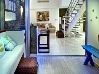 Great 2BD Apt Close Everything - Cancun vacation rentals