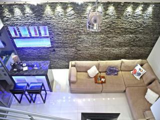 Great Horizontes 2BR + 2.5BA Apt Close Everything - Cancun vacation rentals