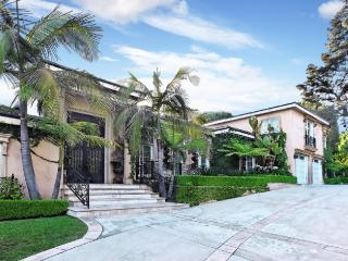 Beverly Hills Villa walking distance from Rodeo Dr - Beverly Hills vacation rentals