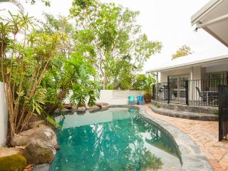 The Pod Noosa - Pet Friendly, 4bedrooms, pool a/c - Yandina vacation rentals