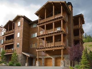 4 Bedroom Ski-In Ski-Out Creekside Condo Close to Yellowstone - Big Sky vacation rentals