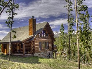 Spacious 4 BD Mountain Cabin Close to Yellowstone: Hiking, Rafting, & More! - Big Sky vacation rentals