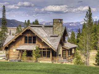 4 Bedroom Luxury Cabin in Private Ski & Golf Community - Big Sky vacation rentals