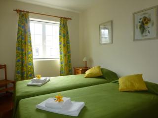 2 Bedroom duplex with roof terrace - Vilamoura vacation rentals