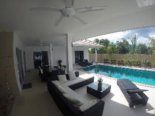 Wonderful Villa with Internet Access and Linens Provided - Maret vacation rentals