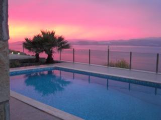 Villa Bodrum, avec piscine,100 m de la plage - Bogazici vacation rentals