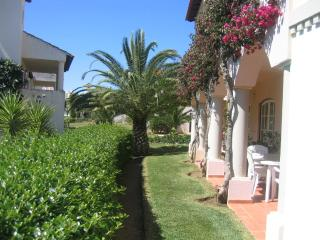 GROUND FLOOR APARTMENT W/ TERRACE - 6A Village Sq - Vilamoura vacation rentals
