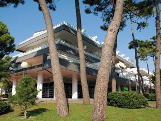 Residence Isvico A - Lignano Pineta vacation rentals