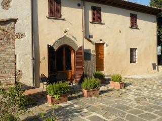 Perfect Condo with Internet Access and Central Heating - Montespertoli vacation rentals