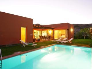 Par 4 Villa 21 | Salobre Golf Villa - Maspalomas vacation rentals