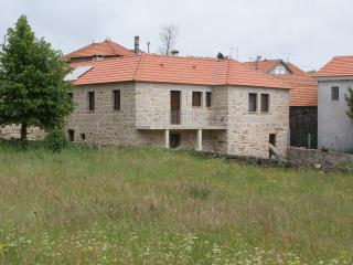Nice 6 bedroom House in Castro Laboreiro - Castro Laboreiro vacation rentals