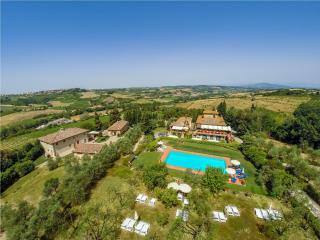 UVA apartment in a Tuscan Farmhouse - Montespertoli vacation rentals