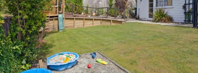 Bisley Holiday House   Sleeps 9   from $220 - Nelson-Tasman Region vacation rentals