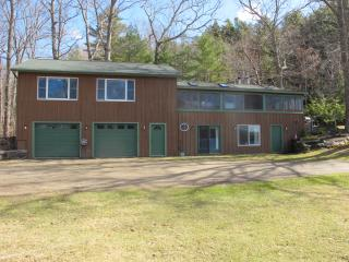 Comfortable 4 bedroom Lincolnville House with Internet Access - Lincolnville vacation rentals