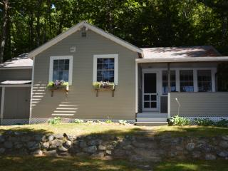 Comfortable 3 bedroom Lincolnville House with Internet Access - Lincolnville vacation rentals