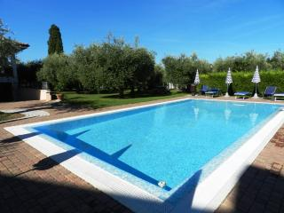 Beautiful Villa with Internet Access and Garden - Lazise vacation rentals
