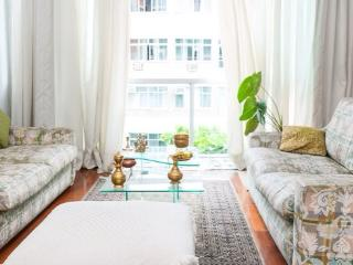 Nice bedroom available in Copacabana (habitacion) - Rio de Janeiro vacation rentals