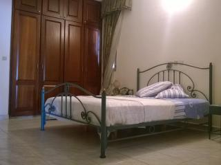 Adorable 3 bedroom Vacation Rental in Abidjan - Abidjan vacation rentals