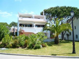 Gardenia by Shirley Dunne - Vale do Lobo vacation rentals