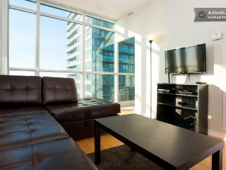 Toronto - Maple Leaf Square - Convertible 3 Bedroom - Toronto vacation rentals