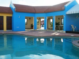 4 bedroom Villa with Internet Access in Oranjestad - Oranjestad vacation rentals