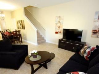 Fabulous 5 Bedroom 4 Bathroom Town Home in Paradise Palms. 8951BPR - Orlando vacation rentals