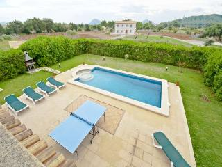 4 bedroom House with Private Outdoor Pool in Pollenca - Pollenca vacation rentals