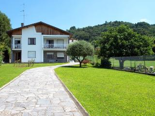 Wonderful relaxing villa with private beach! - Lake Maggiore vacation rentals