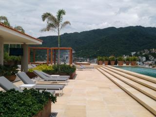 * Coco Condo, Just One Block From The Beach!! - Puerto Vallarta vacation rentals