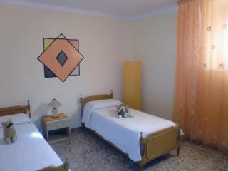 2 CAMERE FABIO Bed & Breakfast - Taranto vacation rentals