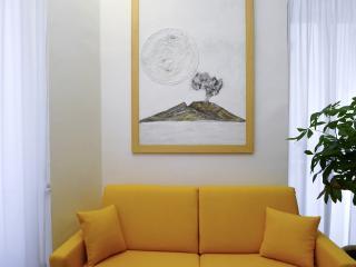 Casa Vittoria, Charming Home Holidays, Napoli - Naples vacation rentals