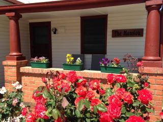 1 bedroom Cottage with A/C in Shepparton - Shepparton vacation rentals
