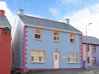 SEAVIEW APARTMENT, coastal apartment, village location, en-suite, open fire, pet friendly, Allihies Ref 912390 - County Cork vacation rentals