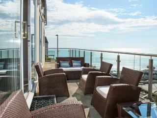 LOOE ISLAND VIEW spectacular sea views, full-length terrace, raised deck in Downderry Ref 919242 - Downderry vacation rentals