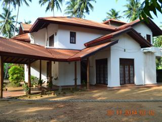 Beautiful House with Deck and Corporate Bookings Allowed - Ahungalla vacation rentals