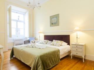 Downtown Deluxe Apartment | RentExperience - Lisbon vacation rentals