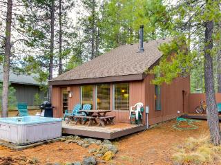 Sunriver lodge w/private hot tub & pet-friendly amenities! - Sunriver vacation rentals