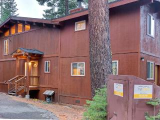 Renovated dog-friendly cabin w/ access to a Tahoe beach, a shared pool & tennis! - Homewood vacation rentals