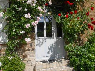 La Paix, a Lavender Farm in Suisse Normandy - Saint-Charles-de-Percy vacation rentals