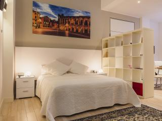 San Nicolò 3. Relaxing atmosphere - Verona vacation rentals